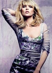 Kate Moss spune ca site-urile de socializare ii invadeaza intimitatea