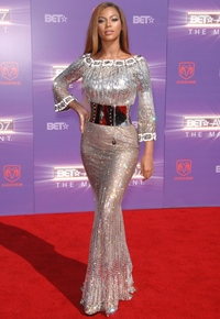 Beyonce si Lady Gaga ingroapa securea razboiului de dragul Premiilor Grammy