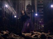 "Anca Florescu, provocatoare in videoclipul ""Hearts Collide"""