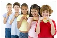Parintii subestimeaza excesul de greutate al copiilor lor