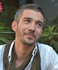 """Vlad Corbeanu: """"La teatru vin foarte multi tineri. Cel putin la spectacolele in care joc eu"""""""