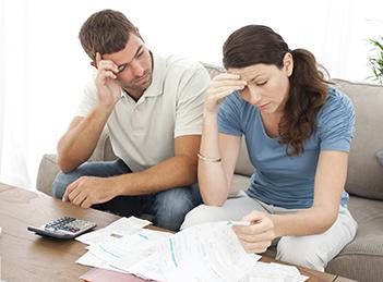 Lipsa banilor si durerile de cap