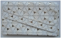 Castiga un clutch Takko Fashion