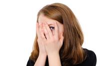 Lentilele de contact, responsabile de pierderea vederii?