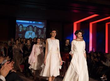 Designerii romani au prezentat creatii inspirate de stilul Mariei Tanase
