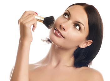 Greseli de make-up care te fac sa pari obosita
