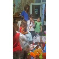 Diana Matei a facut mai multi copii fericiti de 1 iunie