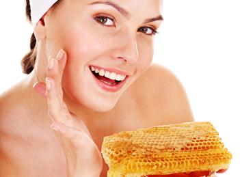 Tratamente naturiste pentru ten pe baza de miere