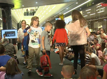 Kids Fashion Show in mall Promenada