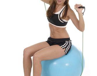 Exercitii cu mingea de fitness