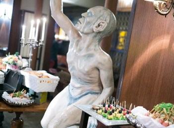 Petrecerea Hobbit, una dintre cele mai tari petreceri de sfarsit de an