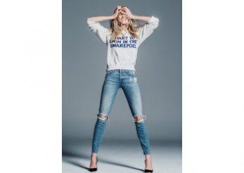 Modelul Candice Swanepoel, colectie-capsula de jeansi