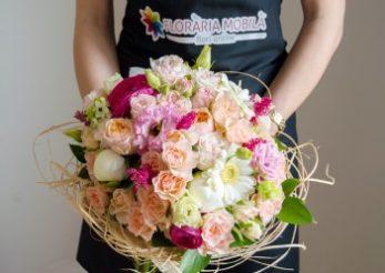 De Paste, fa un cadou colorat si inmiresmat cu Florariamobila.ro