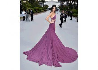 O rochie, doua lookuri à la Kendall Jenner