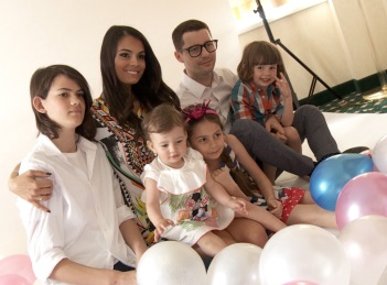 Making Of Coperta Tonica: Anca Serea si tabloul familiei perfecte
