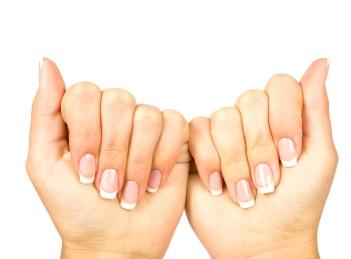 Ai unghii fragile? Iata ce trebuie sa faci!
