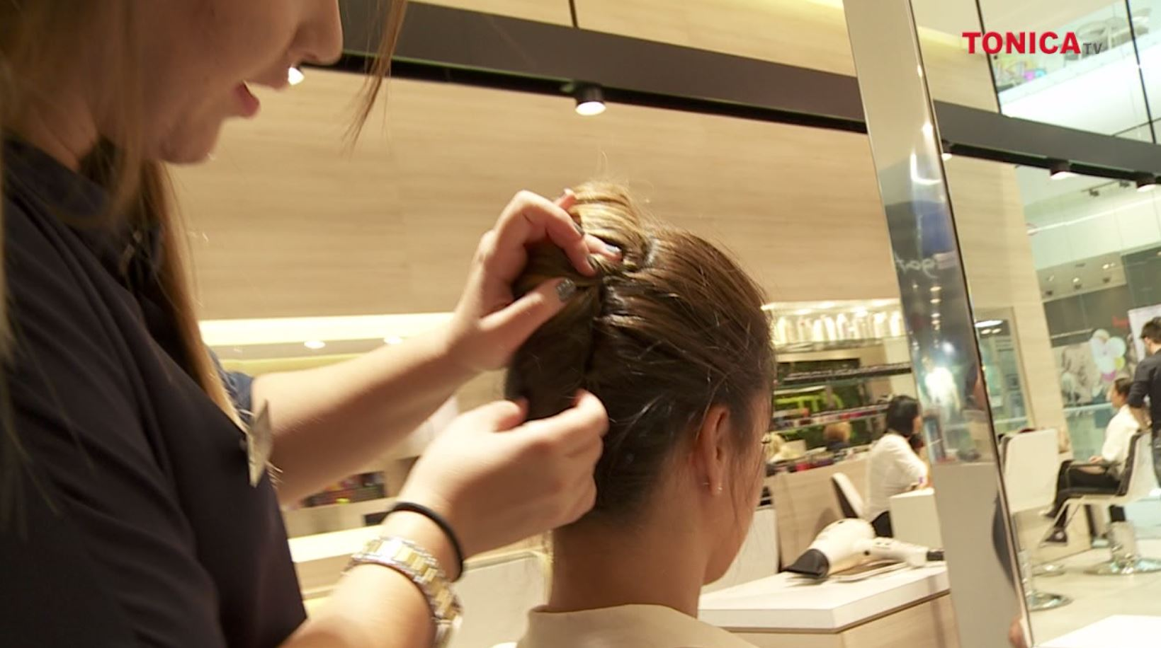 Must-have in hairstyle in toamna lui 2015