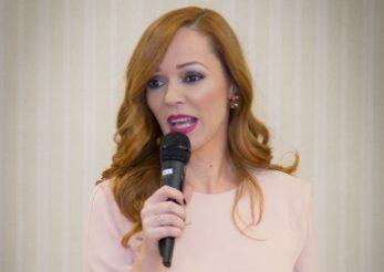 """20 de femei aflate la inceput de drum au fost premiate la gala """"Femeia anului in afaceri"""""""