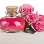 10 moduri in care poti folosi uleiul de trandafir