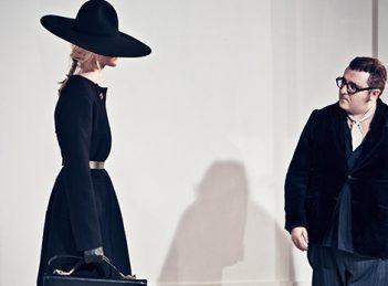 Cutremurele din lumea modei: schimbarile neasteptate ale celor mai cunoscuti designeri