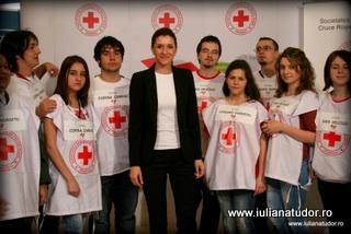 """Iuliana Tudor: """"Noua ne pasa! Impreuna daruim speranta"""""""