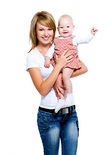 Din dilemele mamicilor: Cu bona sau cu bunica?