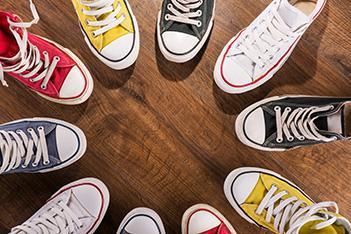 Revolutia sneakersilor. Lasa-ti tocurile acasa!