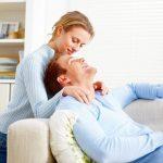 Gesturi simple pentru a-ti surprinde partenerul