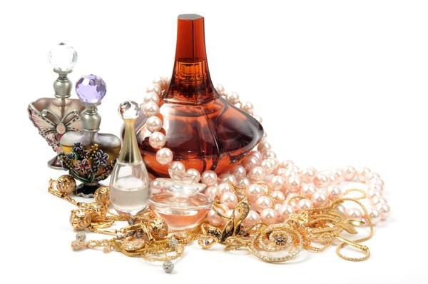 Parfumul Original Vs Parfumul Contrafacut Cum Faci Diferenta