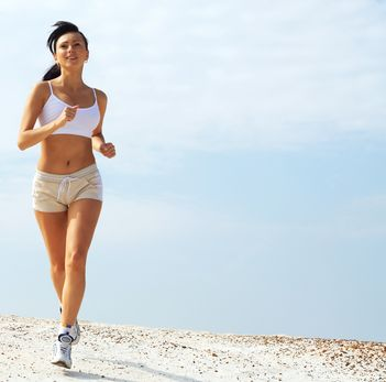 10 beneficii ale alergatului in aer liber