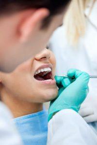 De ce cad dintii? Cauze incredibile