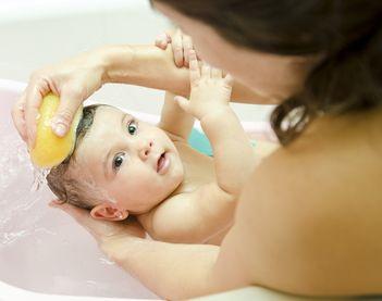 Baita bebelusului, un ritual placut