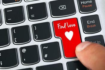 "Modern love, era ""intalnirilor online"""