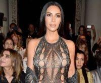 Kim Kardashian, sexy in rochie din plasa