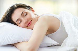 Beneficiile somnului de frumusete: ce inseamna sa te odihnesti inteligent