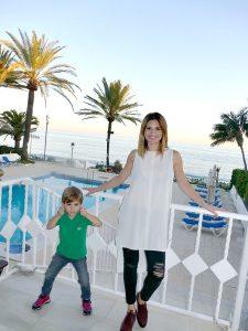 Interpreta Ellie White, vacanta cu viitorii socri in sudul Spaniei si in Gibraltar