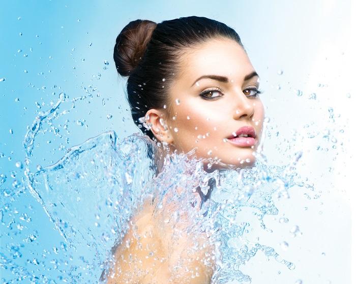 Cata apa trebuie sa bei zilnic pentru a evita deshidratarea