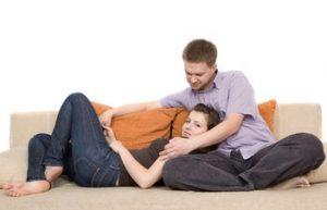 Obiceiuri care iti pot salva relatia daca le faci inainte de culcare