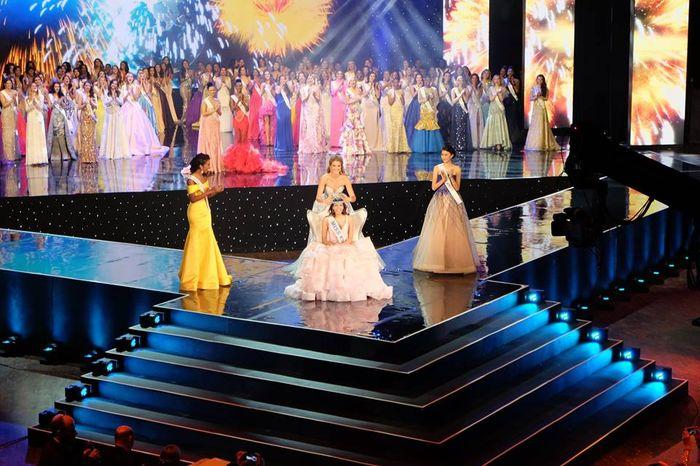 Miss World 2016: cati ani are noua castigatoare a titlului si din ce tara este