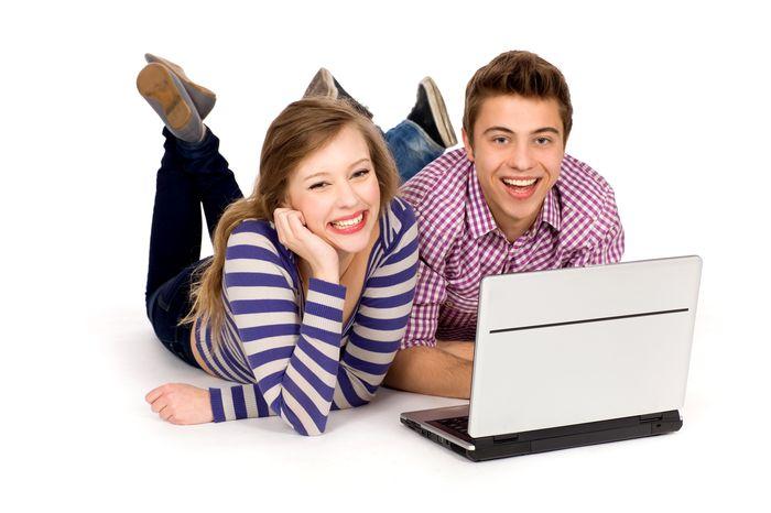 Greseli pe care le fac cuplurile pe retelele sociale