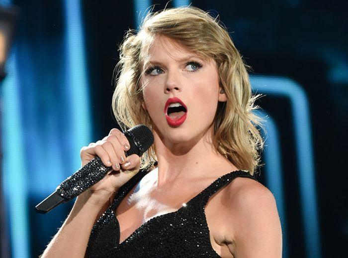 Taylor Swift, artistul anului 2019