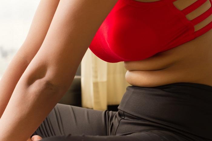 Vrei sa scapi de grasimea de pe abdomen? O sa reusesti doar daca nu mai faci aceste  5 greseli