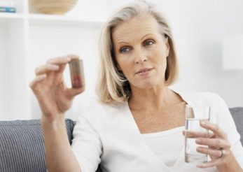 Terapia de substitutie hormonala: avantaje si dezavantaje