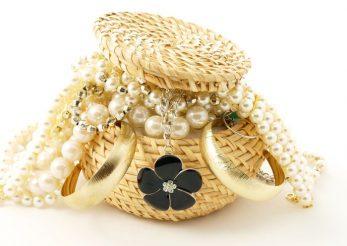 Ce inseamna daca visezi bijuterii?