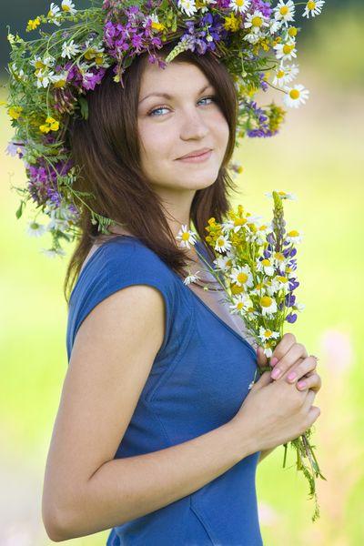 Imagini pentru imagini cu cununi de flori