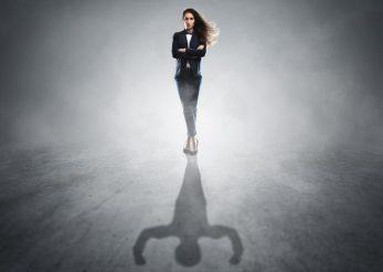 Femeile puternice si curajoase au aceste obiceiuri! Tu faci parte din aceasta categorie? Afla acum!