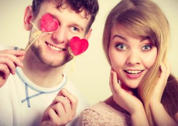 5 motive sa petreci Valentine's Day cu prietenii