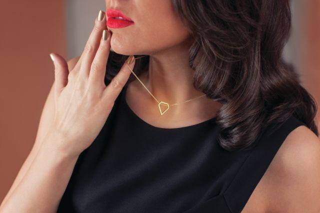 Incursiune in lumea bijuteriilor moderne. Propuneri de Valentine's Day si Martisor