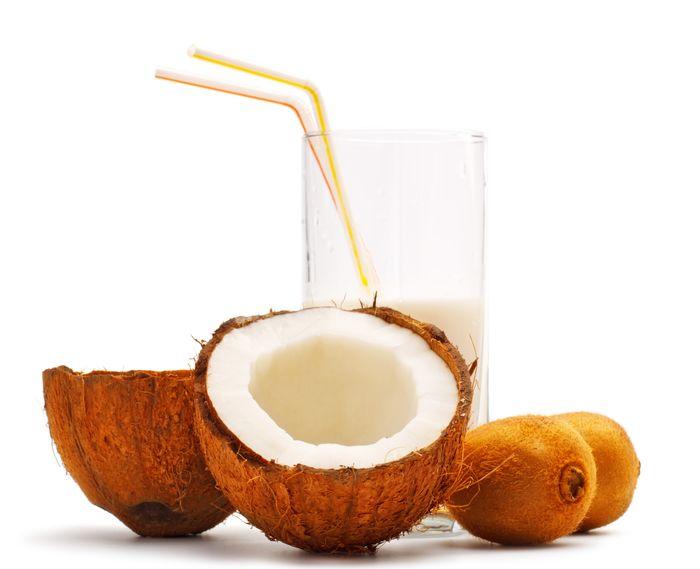 Apa de cocos: beneficii incredibile pentru sanatate