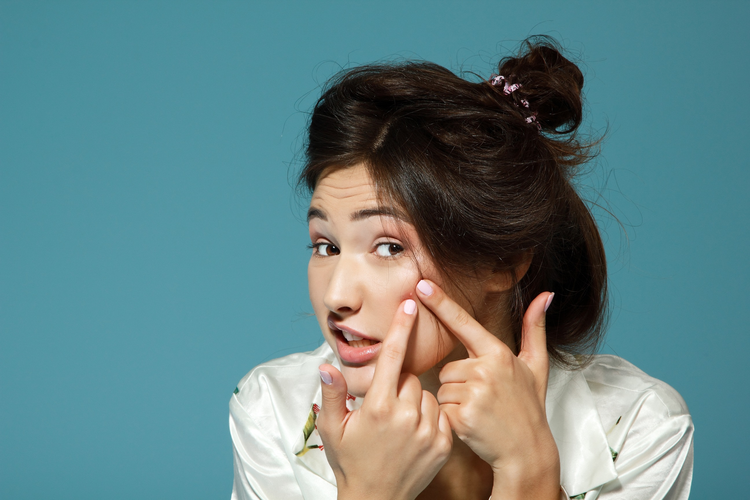 Remedii rapide pentru ameliorarea acneei: de ce apare si cum luptam impotriva acestei afectiuni